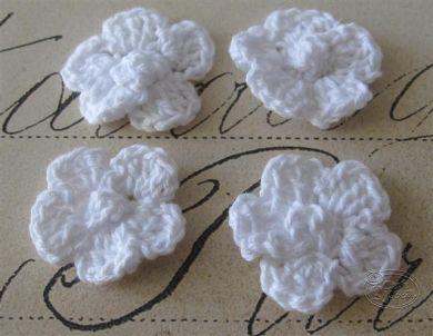 Crochet flower 3cm - White