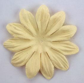 Green Tara - 6cm Petals - Cream